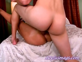 anal fucked divorcee aged misty