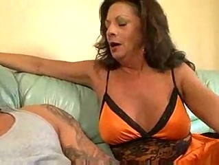 aged cougar margo sullivan banging youthful guy