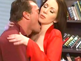 rayveness the wrong kind of woman