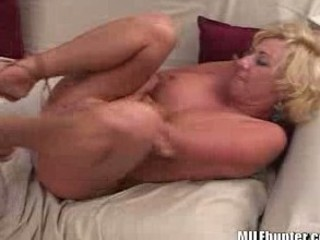 hot mom quivers from orgasms