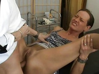 older dilettante wife anal fuck with creampie
