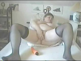 aged bulky cutie masturbates