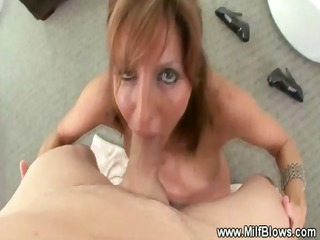 mother i gives unfathomable blowjob while