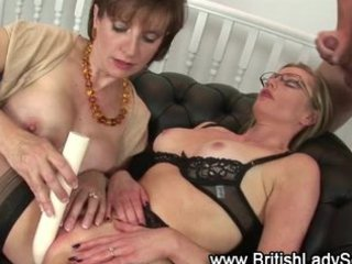 aged nylons wench receives a spunk fountain