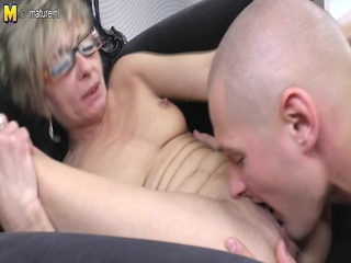old aged mamma receives fucked by her toyboy