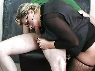 d like to fuck bitch in sexy underware sucking