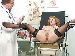 slender milf gyno clinic exam by perverted doctor
