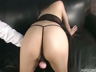 riona looks hot in black and her husband bends