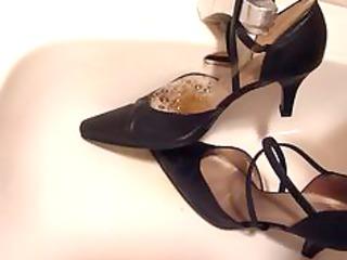 peeing in wifes belt high heels