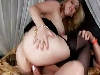 breasty d like to fuck in nylons craves threesome