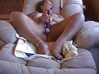 old bulky big beautiful woman masturbing on
