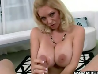 bimbo mother i is giving a engulf