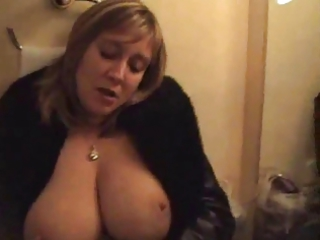 big boobed mom masturbating in front of mirroro