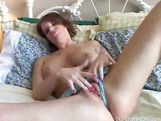 hawt d like to fuck plays with her charming muff