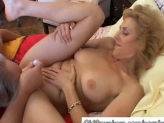 mature dilettante loves to cum