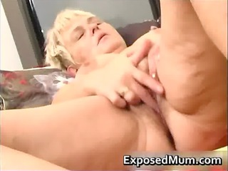 nasty mommy feeling sexy playing